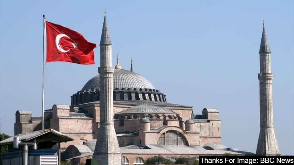 Hagia Sophia Mosque best place to visit in Istanbul