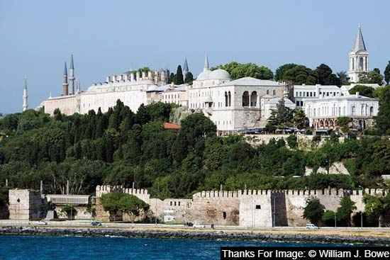 Topkapı Palace Museum is the best place to visit in istanbul