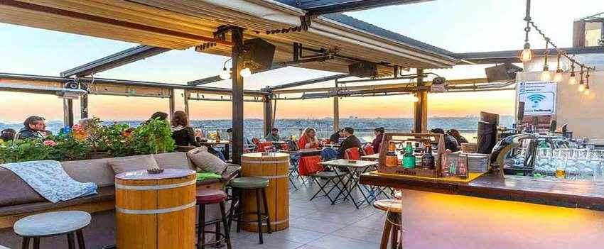 Balkon Restaurant and Bar – in Asmalimescit, Beyoglu